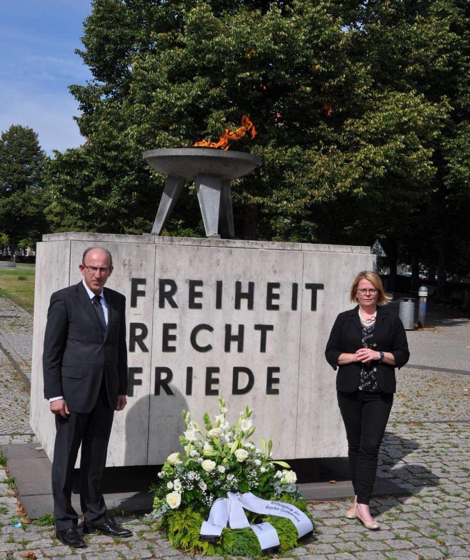 Gemeinsames Gedenken der AGDM und Kulturstiftung: 70 Jahre Charta der deutschen Heimatvertriebenen