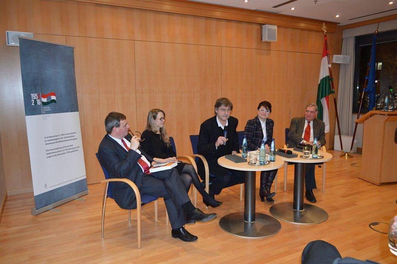 Diskussionsveranstaltung: Zwischen Kulturen und politischen Systemen