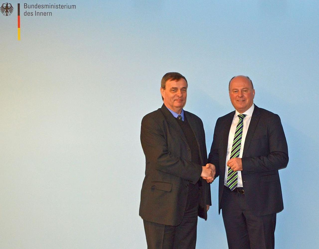 Antrittsbesuch des neuen AGDM-Sprechers Bernard Gaida bei Bundesbeauftragtem Koschyk