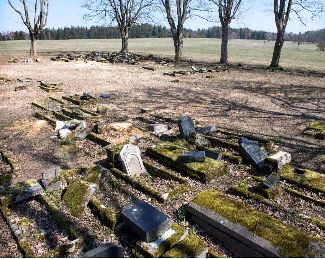 Deutsche Gräber in katastrophalem Zustand