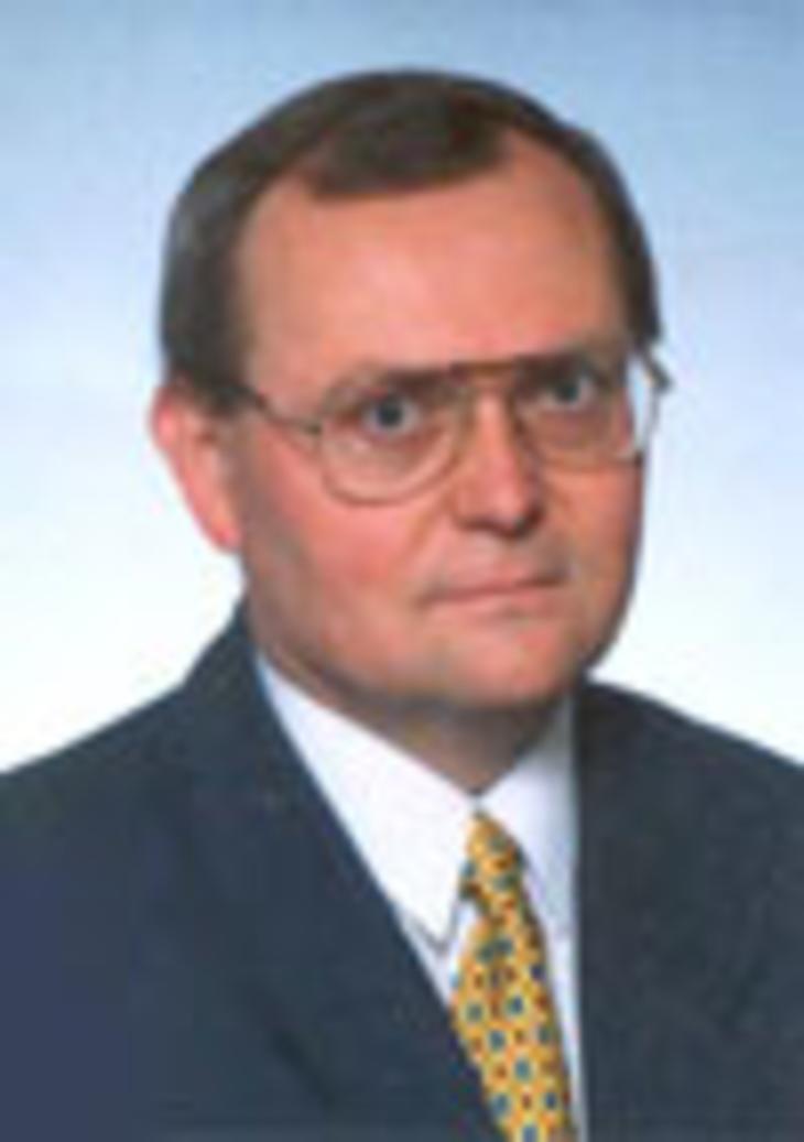 Dr. Ondrej Pöss